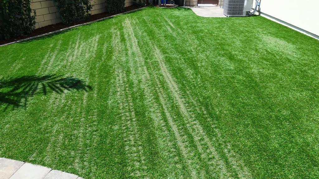 דשא סינטטי נמס מהתחממות יתר